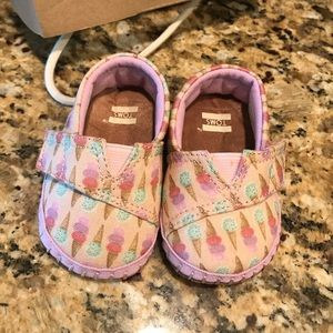 Brand New Baby Toms Ice Cream Social Size 2